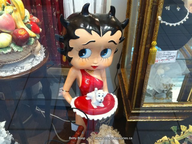 Betty Boop statues0
