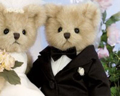 Bride and groom teddy bears
