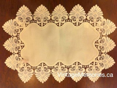 Victorian lace placemate