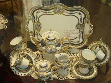 fine porcelain tes set blue