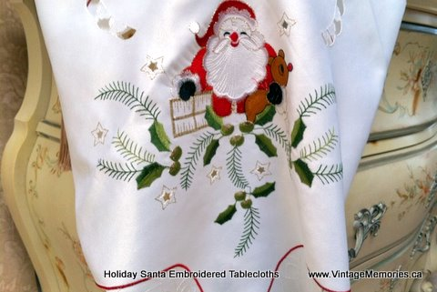 holiday_Santa_embroidered_tablecloths
