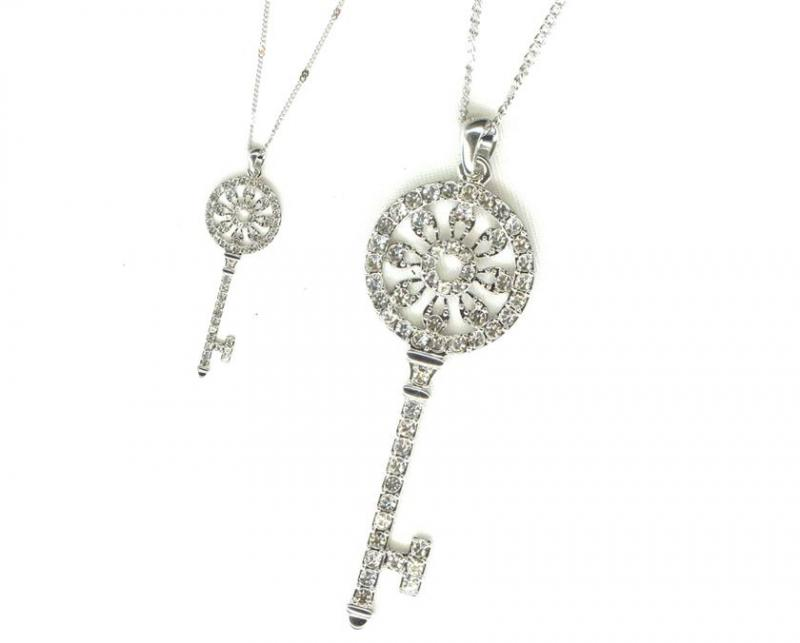 Necklace Crystal Key 1