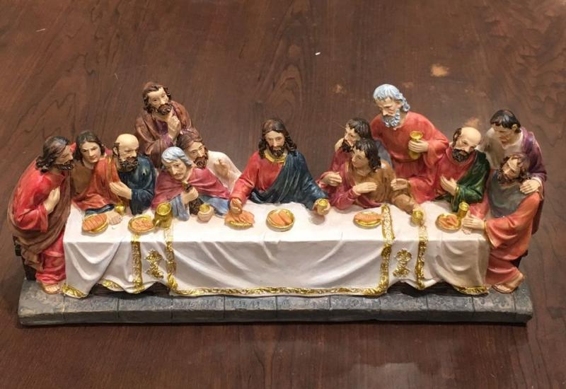 Last Supper figurines