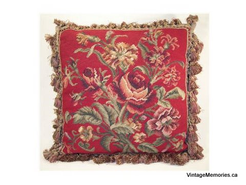 needlepoint_pillow_rose_on_red_g285-21