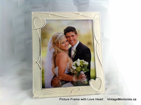 picture frame with love heart