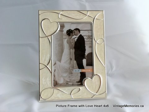 picture frame with love heart 4x6
